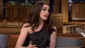 """Anne Hathaway: """"Sullo scivolo stavo per uccidere mio figlio"""""""