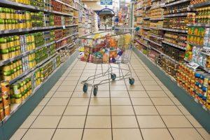 Primo maggio, centri commerciali aperti in Sardegna: è bufera
