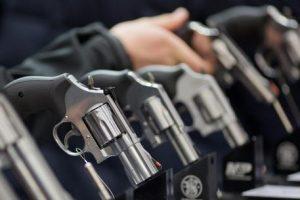 Legittima difesa, sempre più italiani con il porto d'armi