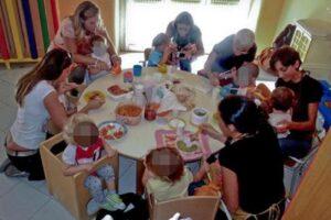 Milano, piatti senza sale negli asili. Genitori perplessi