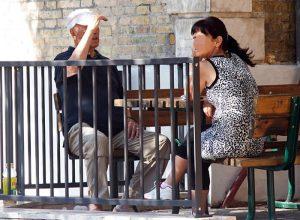 Badante si fa intestare un milione e mezzo da anziano a Limone sul Garda