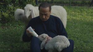 YOUTUBE Berlusconi allatta agnelli: testimonial della Pasqua vegana della Brambilla