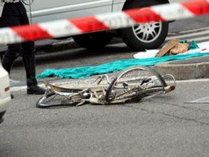 Sarcedo: ramo nei raggi della bici, ingegnere Vittorio Carli cade e muore