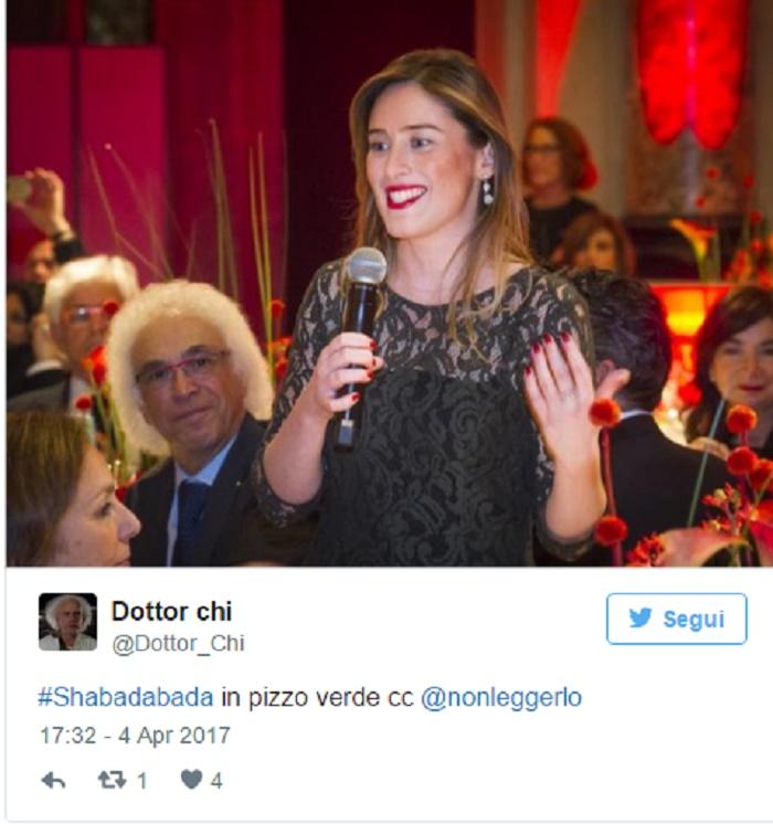 Maria Elena Boschi, look audace: maglietta in pizzo verde con sotto nulla FOTO