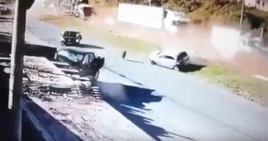 Camion non frena: mega tamponamento coinvolge 20 veicoli, 7 feriti
