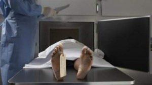 Cadavere dimenticato nella camera mortuaria per tre giorni. Lo scoprono per l'odore