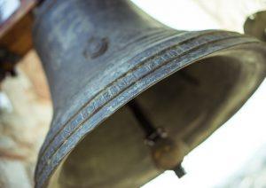 Biotestamento, dopo approvazione della legge alla Camera parroci suonano campane a morto