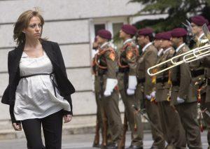 Carme Chacon morta a 46 anni, cuore non regge. Fu prima ministra Difesa in Spagna