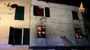 """Casella, gli zii del bimbo morto nell'incendio: """"Gli impianti della casa non erano a norma"""""""