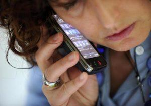 Cellulari fanno male? Codacons, class action contro Apple, Samsung e Inail