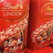 Una confezione di cioccolatini Lindt