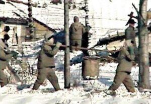 """Corea del Nord, ex guardia racconta: """"Donne bruciate vive, neonati picchiati a morte"""""""