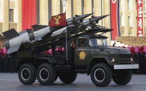 "Corea del Nord, Usa mandano altre portaerei. Pyongyang non ferma i test: ""Rischio guerra nucleare"""