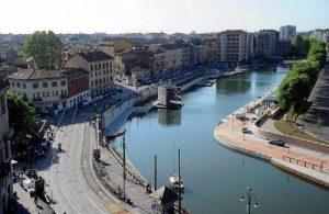 Milano, poliziotto in borghese salva un bimbo di 5 anni caduto nella Darsena