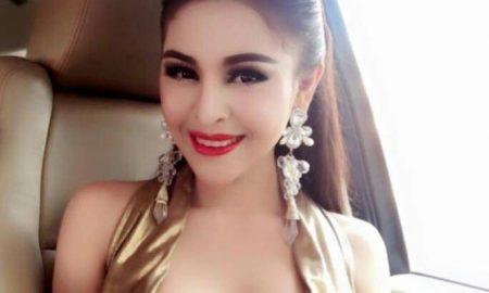 La bellissima attrice bandita Denny Kwan