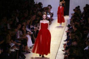 Moda, il gruppo Arnault pronto a rilevare tutto Christian Dior