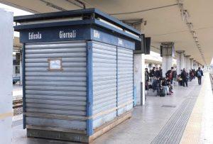 """Castelfranco Veneto, chiude l'edicola della stazione dopo 50 anni: """"Affitto troppo alto"""""""