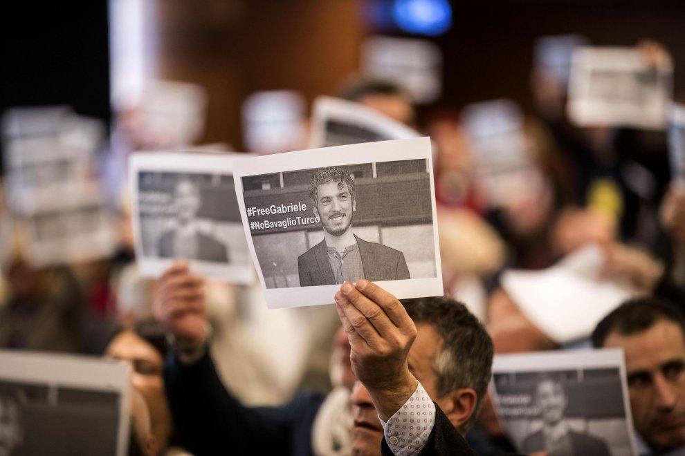 Giulietti(Fnsi): istituzioni intervengano per Gabriele Del Grande
