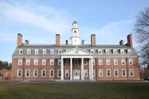 Usa, violenze e abusi sugli studenti: collegio sotto inchiesta