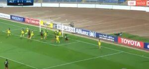 Ribeiro come Mihajlovic: gol incredibile su punizione