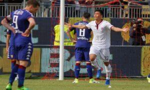 Il 18enne attaccante rossoblù Han, il primo nordcoreano a segnare un gol in Italia (foto Ansa)