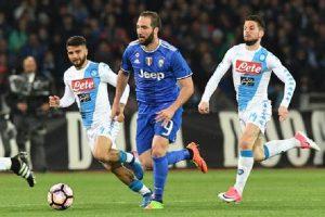 Napoli-Juventus, Higuain e il gesto prima della partita per evitare altri fischi