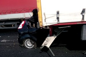 Autostrada A4, doppio schianto: un morto e un ferito gravissimo