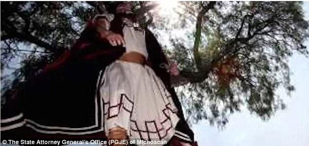 Messico, 23enne rimane impiccato mentre interpreta Giuda alla Via Crucis FOTO