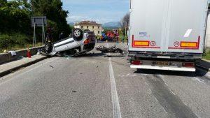 Sondalo, incidente sulla statale 38. Auto si ribalta per 100 metri, 6 feriti gravi
