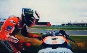 YOUTUBE Jorge Lorenzo scaraventa a terra la Ducati