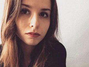 Laura Di Sciullo muore in incidente a Petriano. Aveva 20 anni, forse colpo di sonno