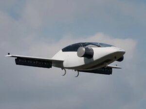 Taxi volante: jet elettrico a 5 posti che decolla come un drone