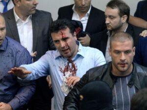 Macedonia, irruzione in Parlamento: attivisti di destra fanno almeno 100 feriti