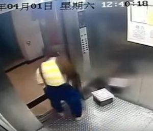 YOUTUBE Madre di 15 anni chiude il figlio appena nato in una scatola e lo getta nel cassonetto