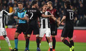 Insulti all'arbitro Massa dopo Juventus-Milan, denunciato tifoso Milan