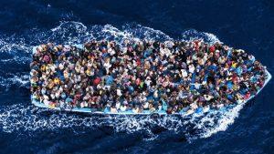 Migranti, strage di Pasqua nel Mediterraneo: 8 corpi recuperati, altri in mare