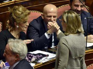 Senato accoglie le dimissioni di Minzolini e respinge per la quinta volta quelle dell'ex M5S Vacciano