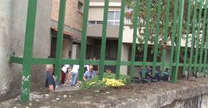 YOUTUBE Sparano a donna con bimbo in braccio: 3 arresti a Napoli