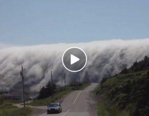 YOUTUBE Cascata di nuvole, lo strano fenomeno alle Isole Canarie