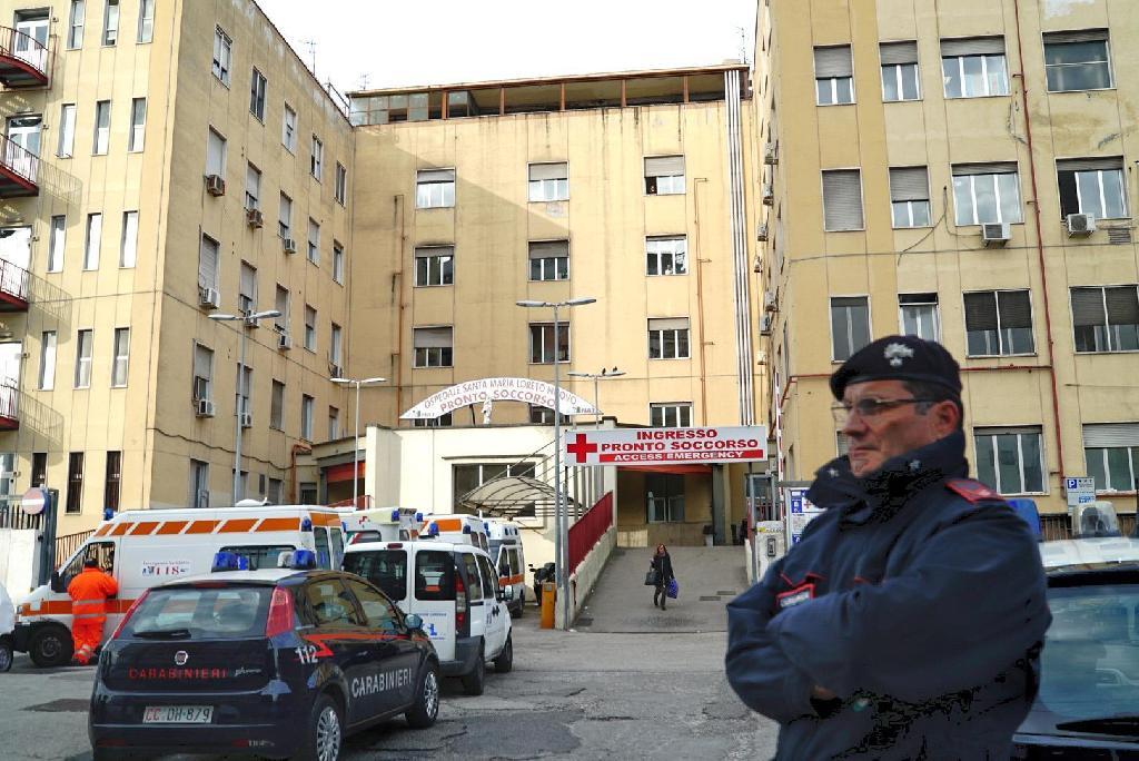 Esplode la colonna fecale, a Napoli ospedale