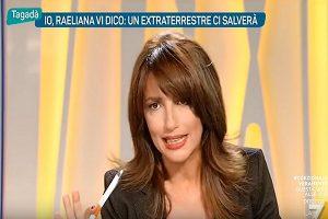 """Raeliana in diretta: """"Un extraterrestre ci salverà entro il 2035"""""""