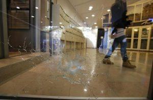 Attentato Parigi, si presenta ad Anversa presunto complice