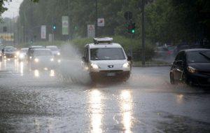 Previsioni meteo, perturbazione in arrivo: pioggia e vento al Nord e al Centro