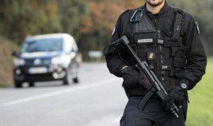 Reunion, poliziotti feriti da radicalizzato in un blitz antiterrorismo nell'isola francese