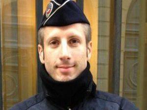 Attentato Parigi, poliziotto ucciso faceva parte di un'associazione Lgbt