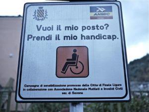 Parcheggio abusivo nel posto disabile: è reato, un condannato per violenza privata