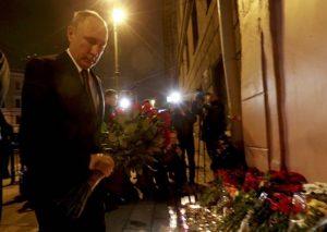 San Pietroburgo, attentato in metro: 11 morti. Ipotesi terrorista islamico kamikaze