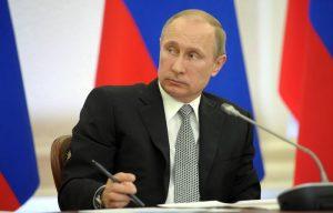 Vladimir Putin assente in tv. Voci di una malattia