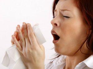 Raffreddore, se sei da solo peggiora