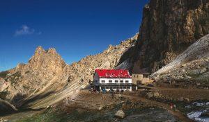 Montagna, nei rifugi alpini arriva la connessione internet via satellite